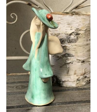 B.Anioł ceramiczny stojący w kapeluszu Miętowy