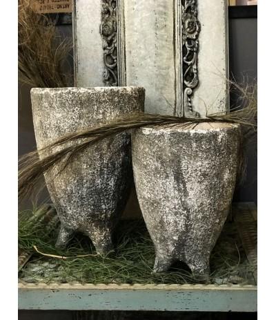 J.Shabby Home Osłonka betonowa na nóżkach L