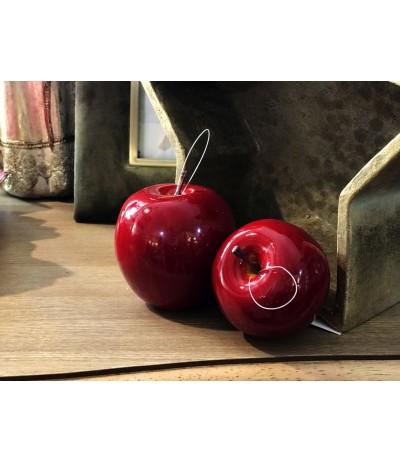 Sztuczne czerwone Jabłko