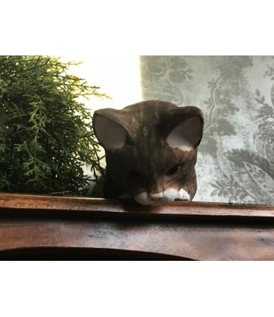 B.Figurka kota brąz