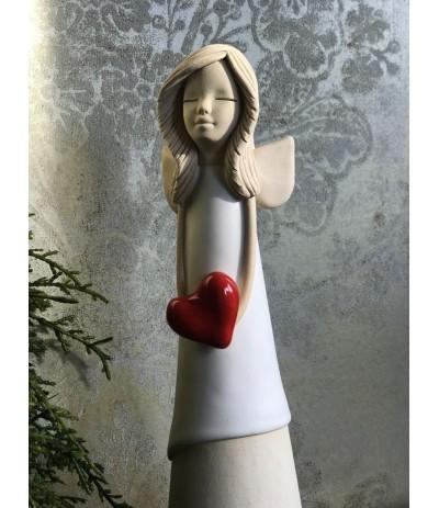 B.Anioł ceramiczny z sercem